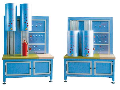 Helium-Lecksuchanlage - FRITZ EMDE - Fabrikation von Maschinen und Vakuumanlagen